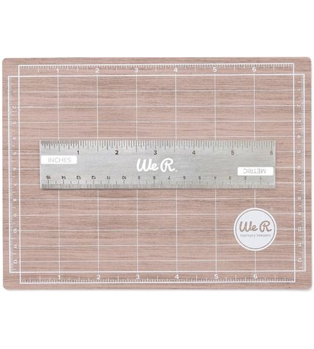 We R Memory Keepers - Magnetic Cutting Mat  - incl. Ruler - Woodgrain style - (2pcs)